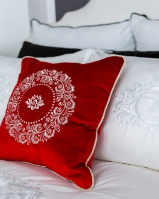 "Decorative Pillow ""Red"""