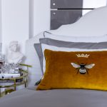 "Decorative Pillow ""Royal Bee"""